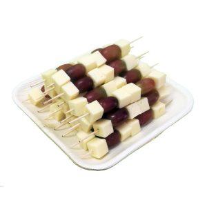 Käsespieße mit Weintrauben Lieferservice Kaffeepott